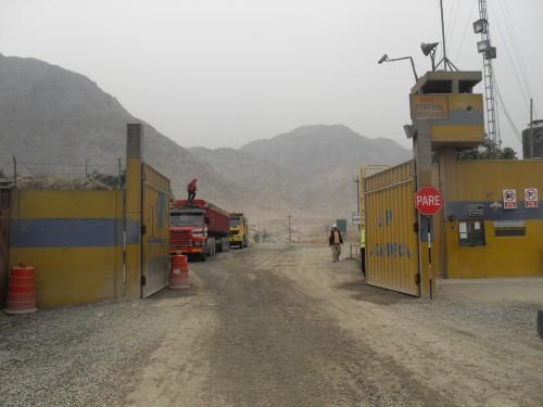 Implantation d'entreprise sur les terres de Jicamarca, cliché É. Mesclier, mars 2013